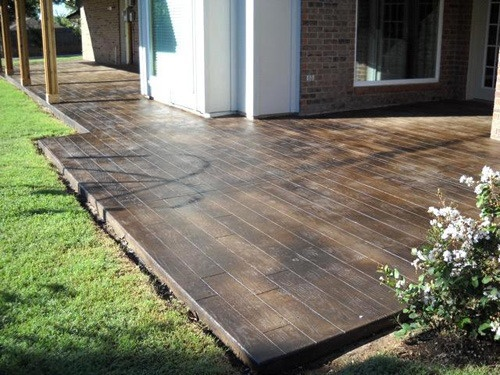 Stamped concrete that looks like wood planks, decorative stamped concrete
